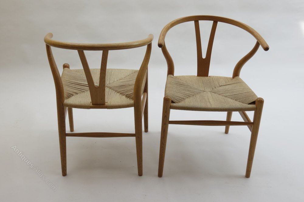 antiques atlas hans wegner wishbone chair in oak. Black Bedroom Furniture Sets. Home Design Ideas