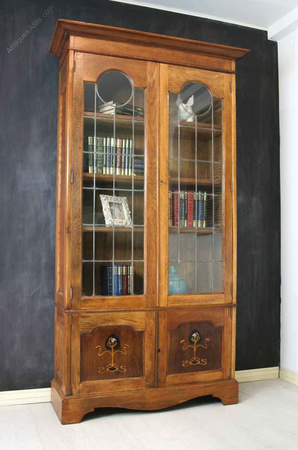 Arts and crafts oak glazed bookcase antiques atlas for Arts and crafts bookshelf