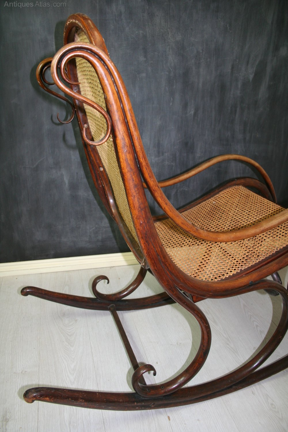 rocking chair is the forerunner for all subsequent bentwood rocking