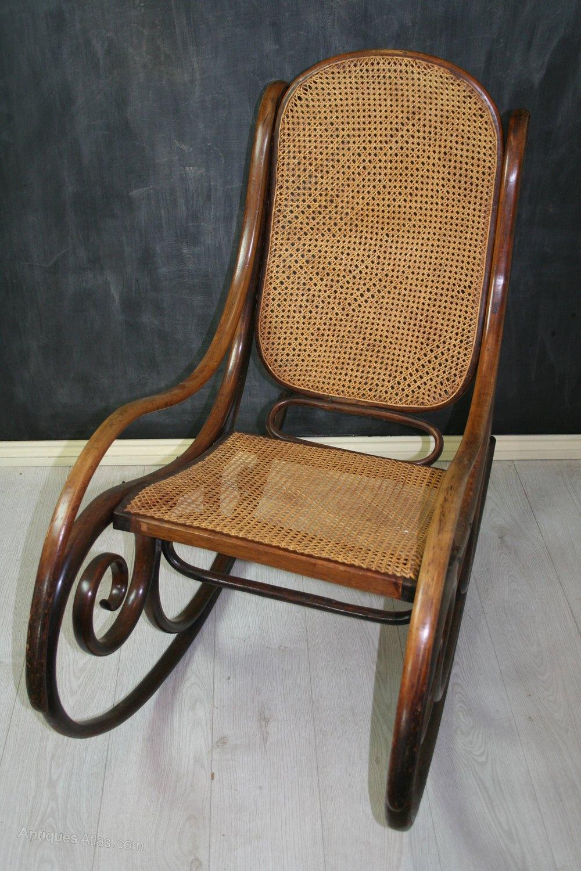 rare thonet bentwood rocking chair no 1 antiques atlas. Black Bedroom Furniture Sets. Home Design Ideas
