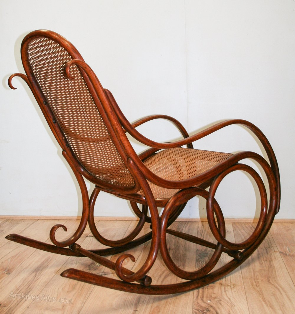 Nice Thonet Bentwood Rocking Chair No.4 Antique Rocking Chairs ...
