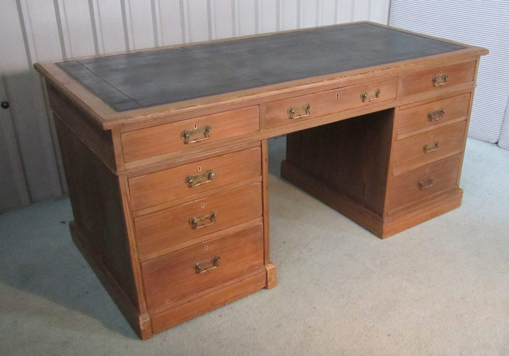 A Very Large Victorian Pitch Pine Desk Antiques Atlas