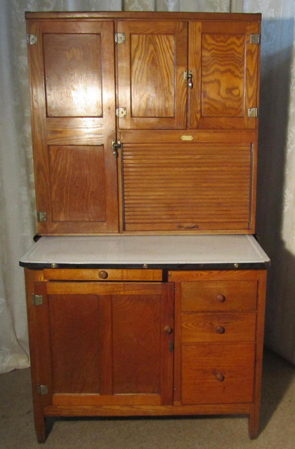 An art deco hoosier kitchen cabinet dresser antiques atlas - Art deco kitchen cabinets ...