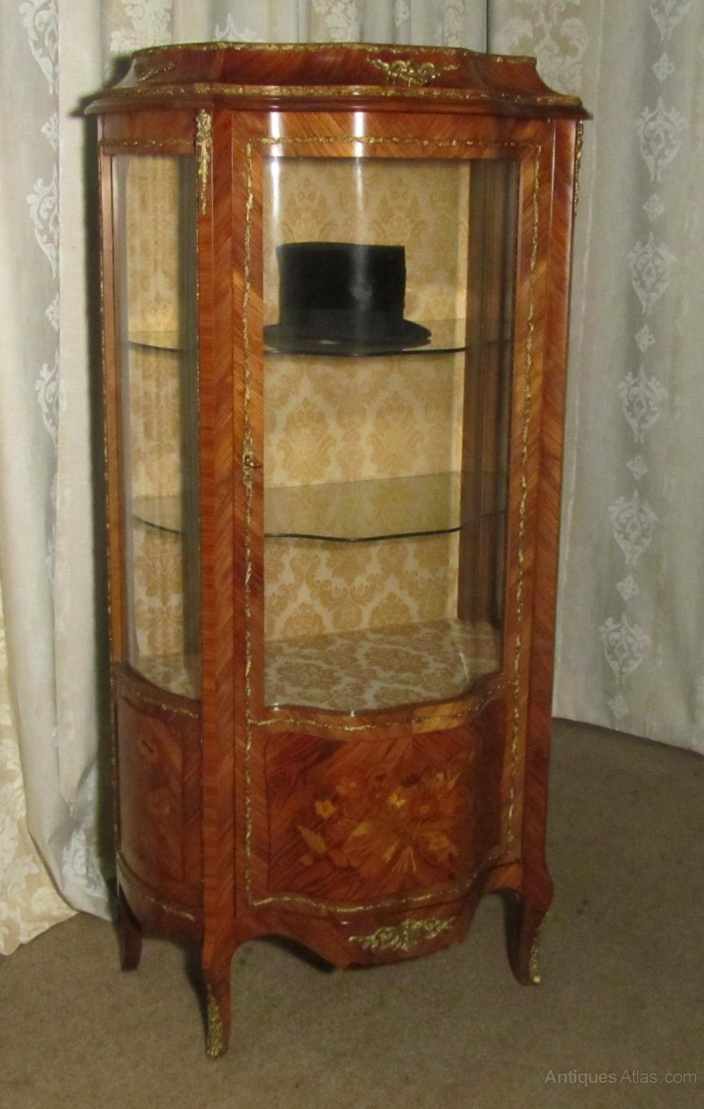 french inlaid and ormolu mounted vitrine antiques atlas. Black Bedroom Furniture Sets. Home Design Ideas