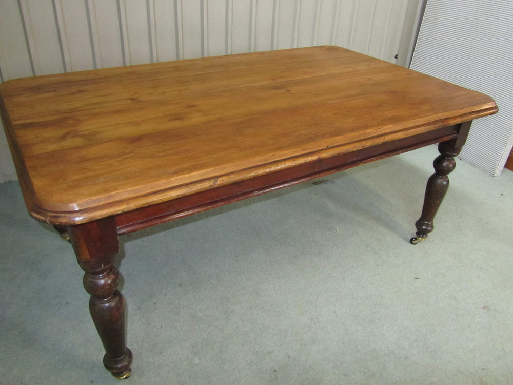 Good large victorian pine farmhouse kitchen table for Large kitchen table