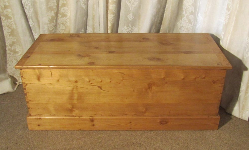 Large Victorian Pine Blanket Box Or Coffee Table
