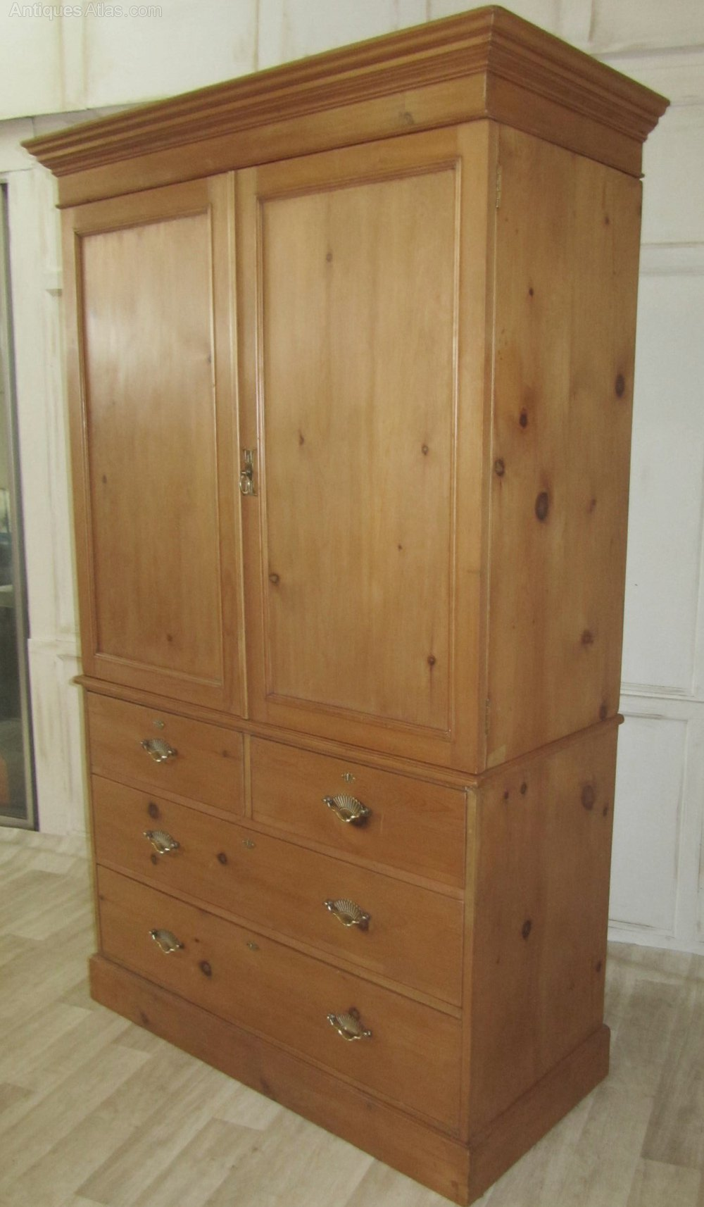 Victorian pine linen press housekeeper s cupboard for Linen press