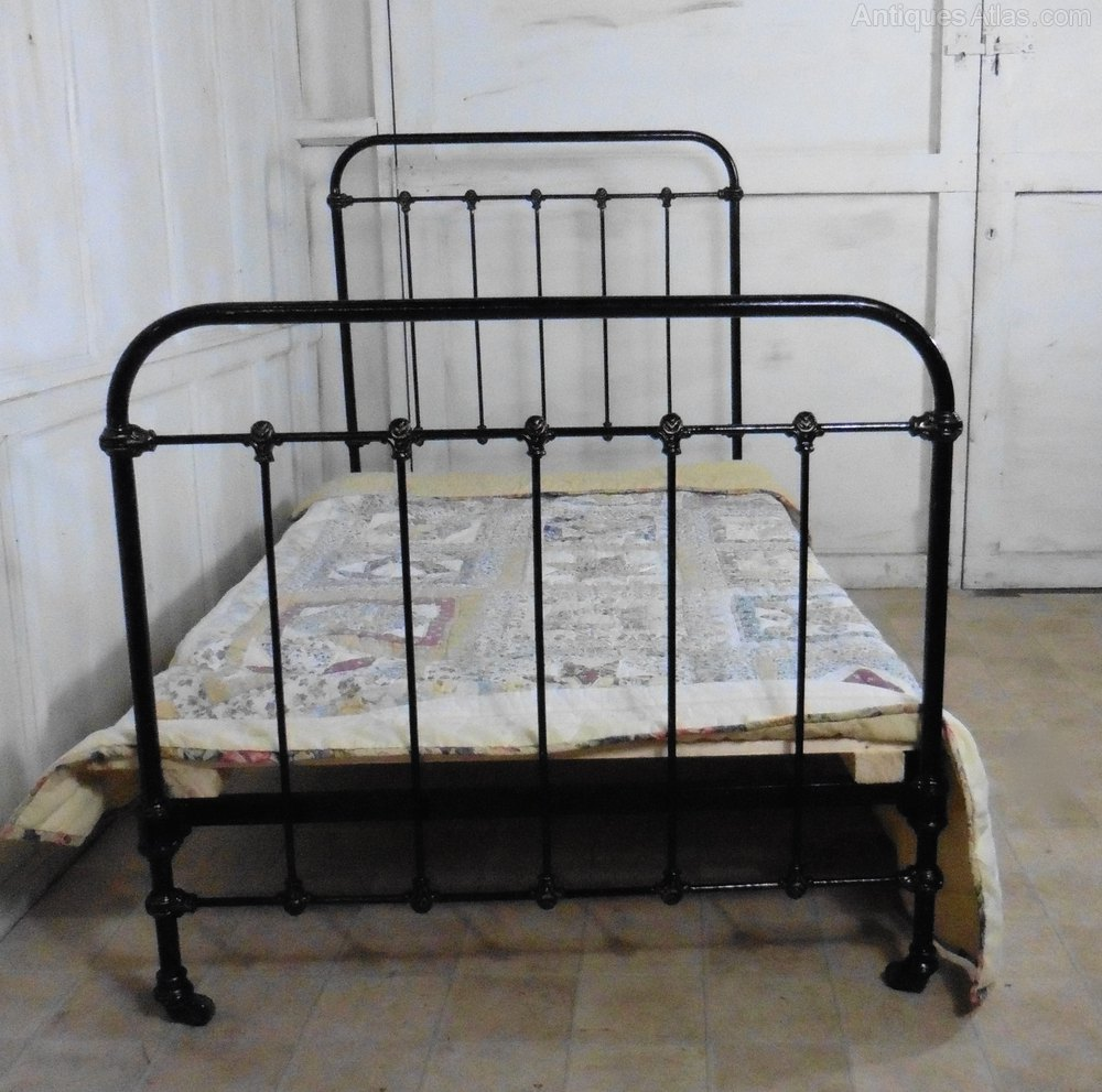Antique Victorian Metal Bed : Victorian single iron bed antiques atlas
