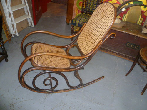 Antique Bentwood Rocking Chair ... - ANTIQUE BENTWOOD ROCKING CHAIR - Antiques Atlas
