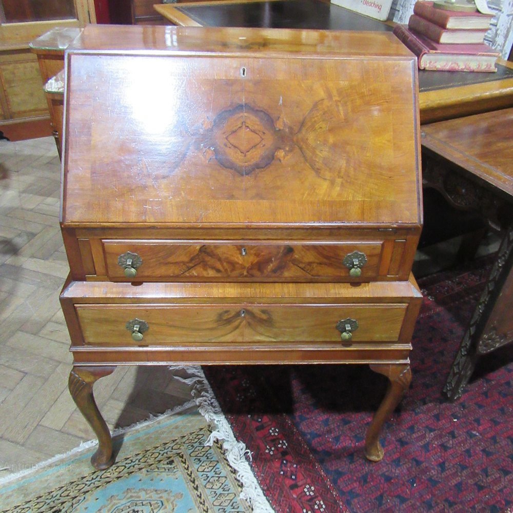 Antique walnut bureau antiques atlas - Bureau style vintage ...