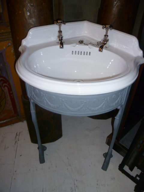 Victorian Corner Sink : Antiques Atlas - Antique Victorian Corner Basin And Cast Iron Frame
