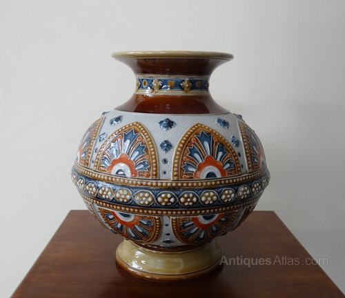 antiques atlas villeroy boch mettlach nouveau arts crafts vase. Black Bedroom Furniture Sets. Home Design Ideas