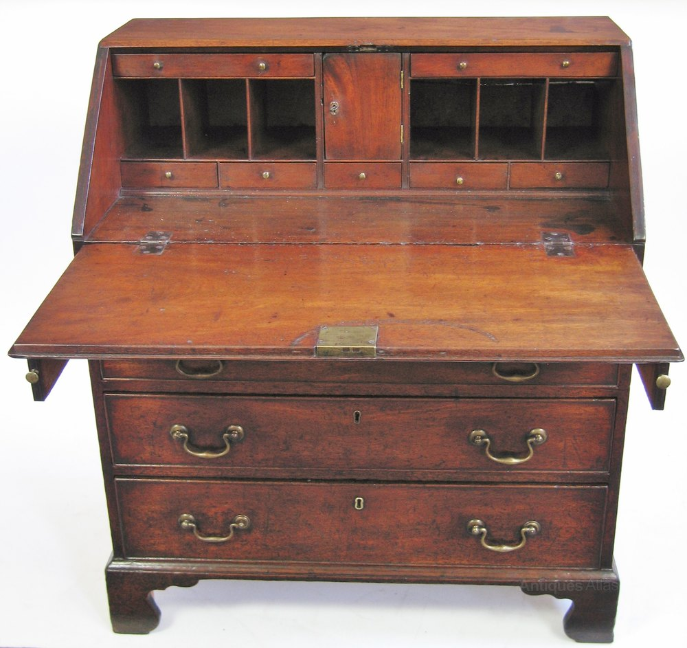 George 111 mahogany 4 drawer small bureau antiques atlas for Bureau antique