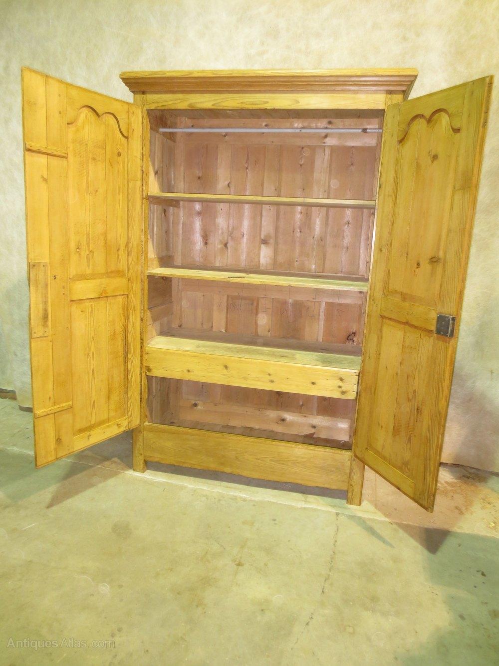 Armoire designe armoire etymology dernier cabinet for Armoire cuisine gatineau