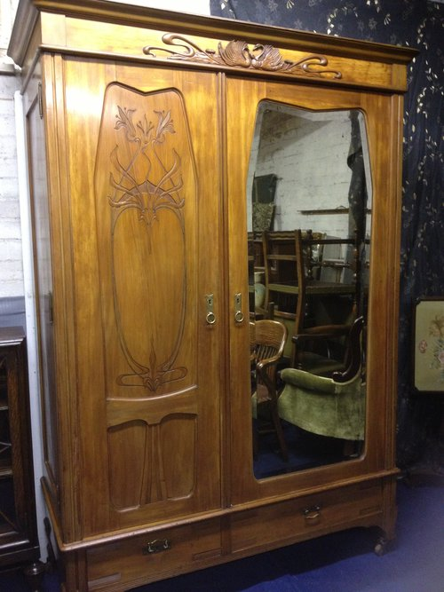 french art nouveau wardrobe antiques atlas. Black Bedroom Furniture Sets. Home Design Ideas