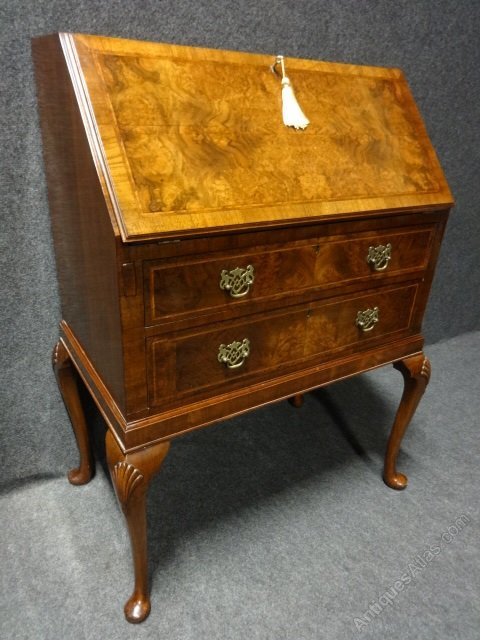 good burr walnut bureau antiques atlas. Black Bedroom Furniture Sets. Home Design Ideas