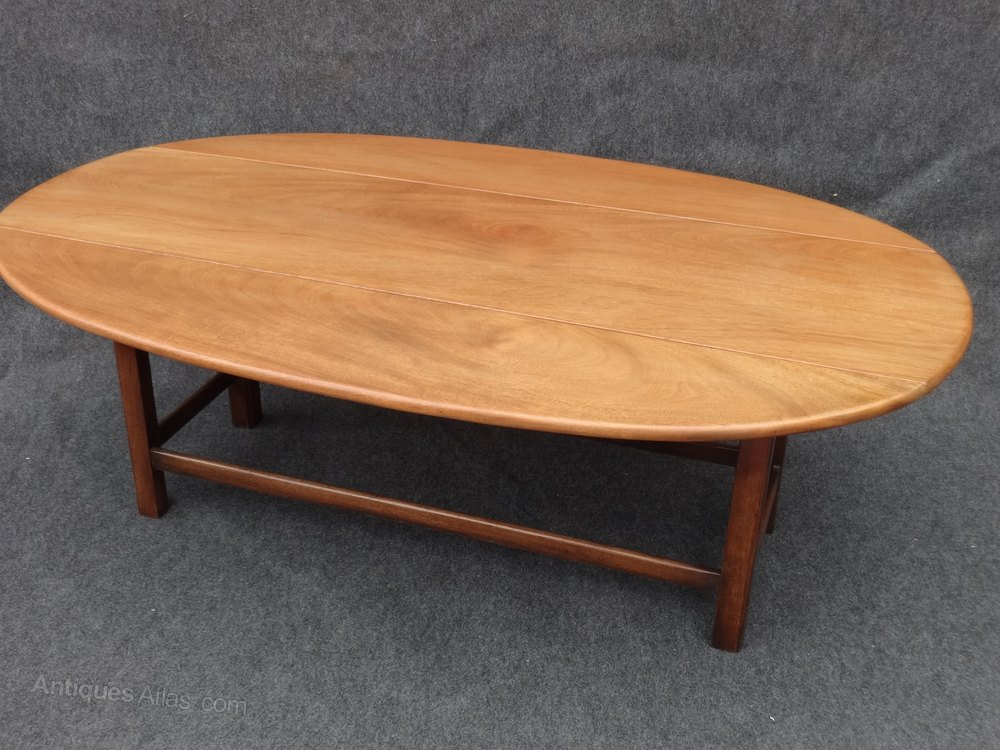 Large mahogany coffee table antiques atlas for Mahogany coffee table
