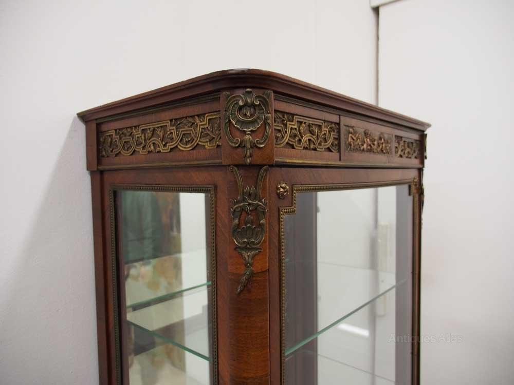 french kingwood vitrine antiques atlas. Black Bedroom Furniture Sets. Home Design Ideas