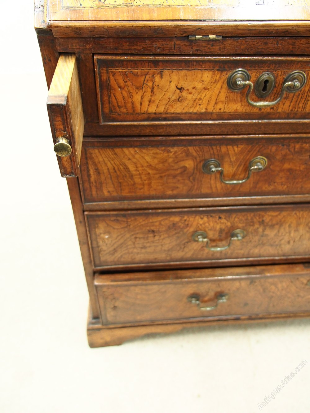 George iii elm bureau antiques atlas for Bureau antique