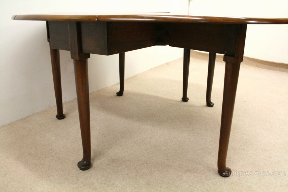 Circa 1770 George Iii Solid Mahogany Drop Leaf Dining Table The Table