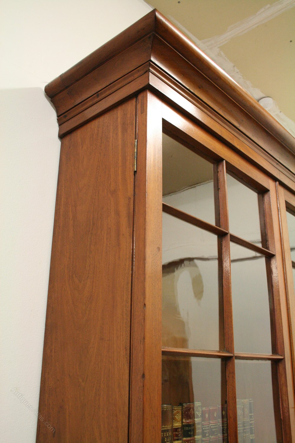 Georgian style 2 door cabinet bookcase antiques atlas for Kitchen cabinets 50cm wide