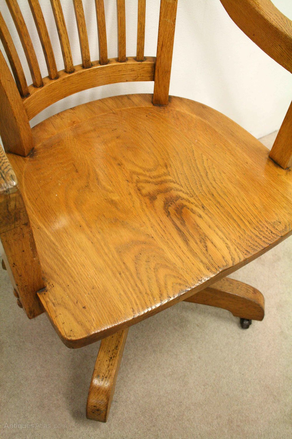 Solid Oak Revolving Desk Chair Antiques Atlas : SolidOakRevolvingDeskChairas178a2316z 4 Dining Chairs for <strong>Bad Backs</strong> from antiques-atlas.com size 1000 x 1500 jpeg 291kB