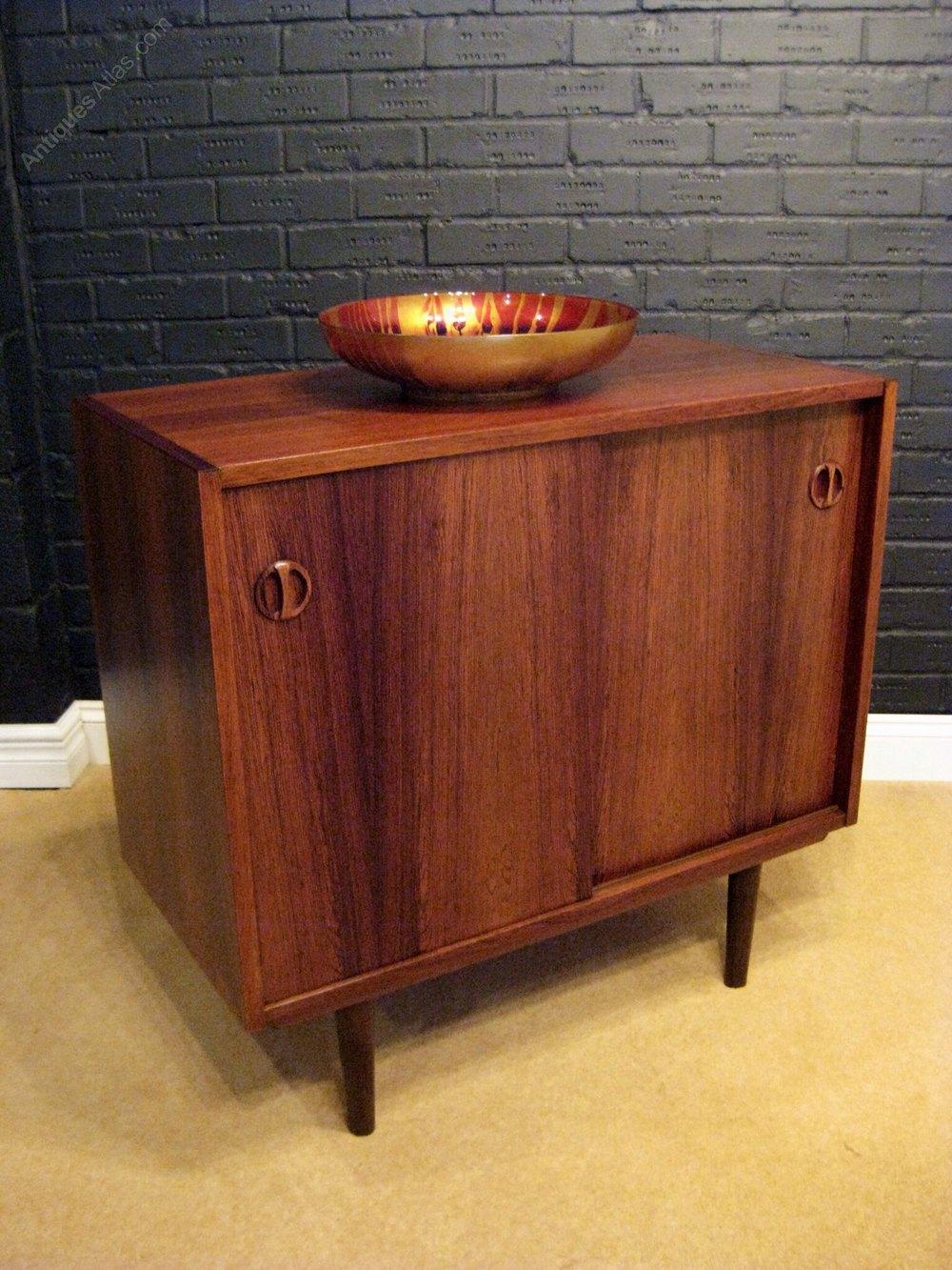antiques atlas retro rosewood sideboard. Black Bedroom Furniture Sets. Home Design Ideas