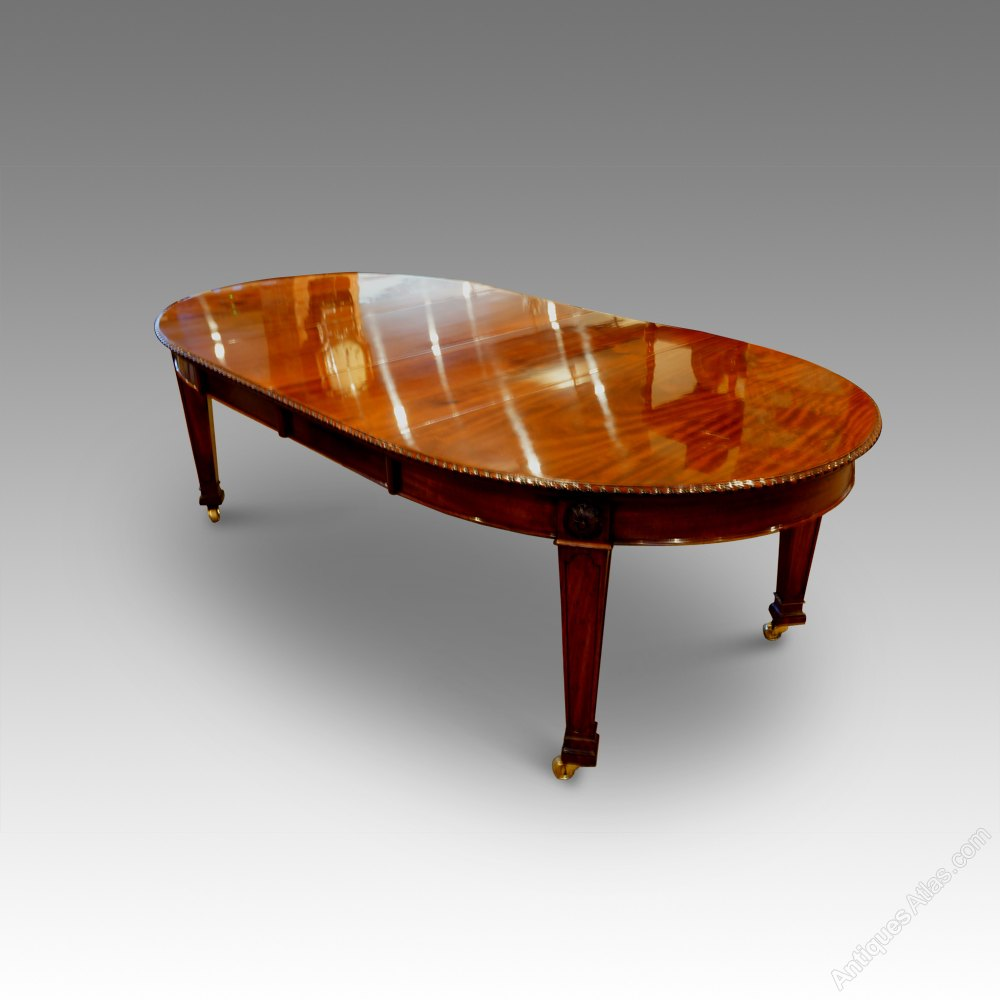 10 Seat Edwardian Mahogany Extending Dining Table