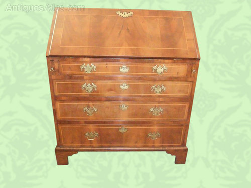 george iii walnut bureau antiques atlas. Black Bedroom Furniture Sets. Home Design Ideas