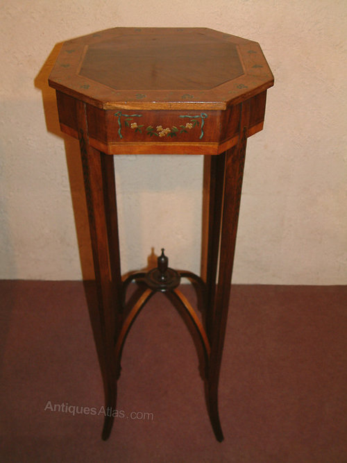Late c19th table vase stand c 1890 antiques atlas for Th 37px60b table top stand