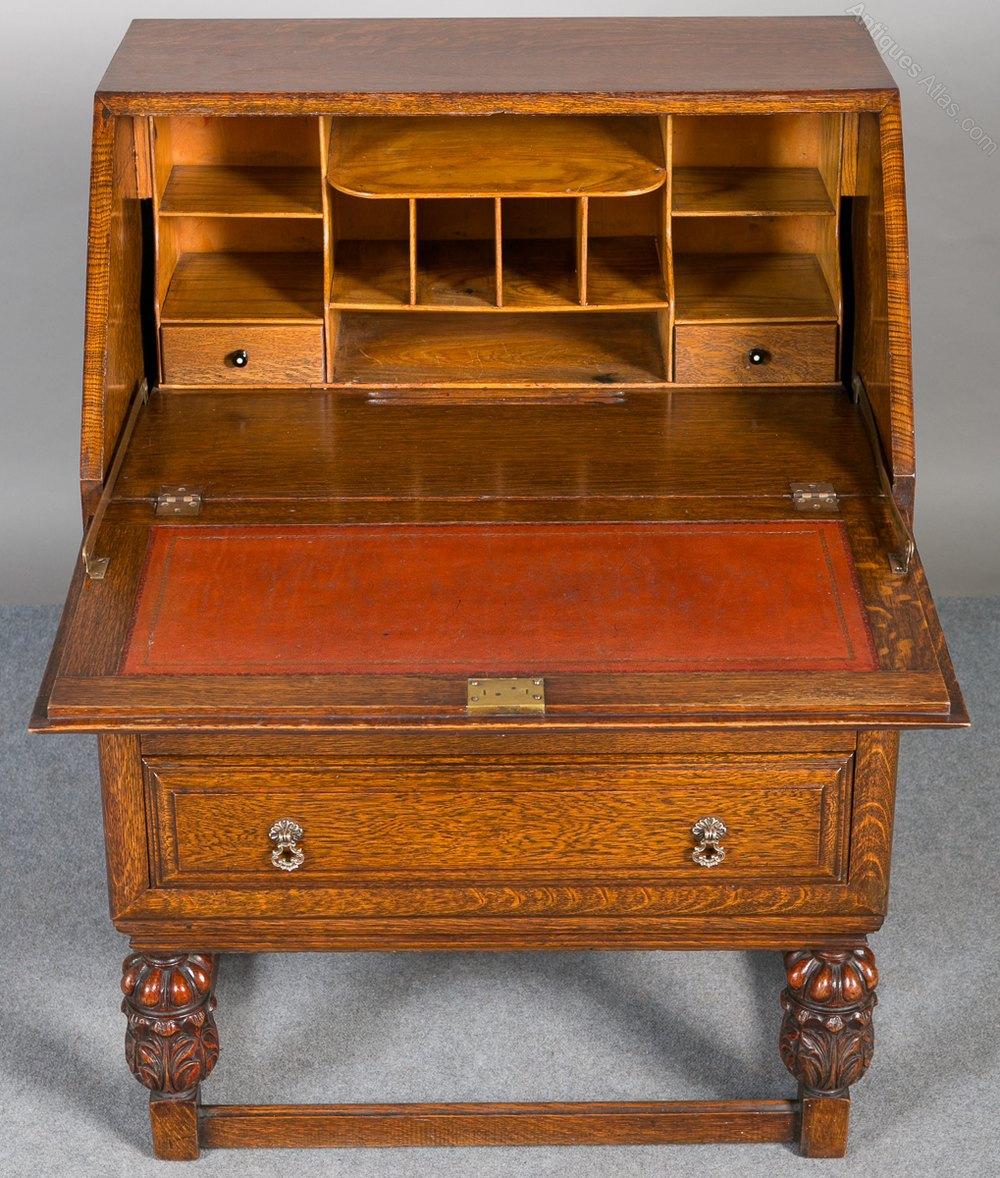 Oak pineapple bureau antiques atlas for Bureau antique
