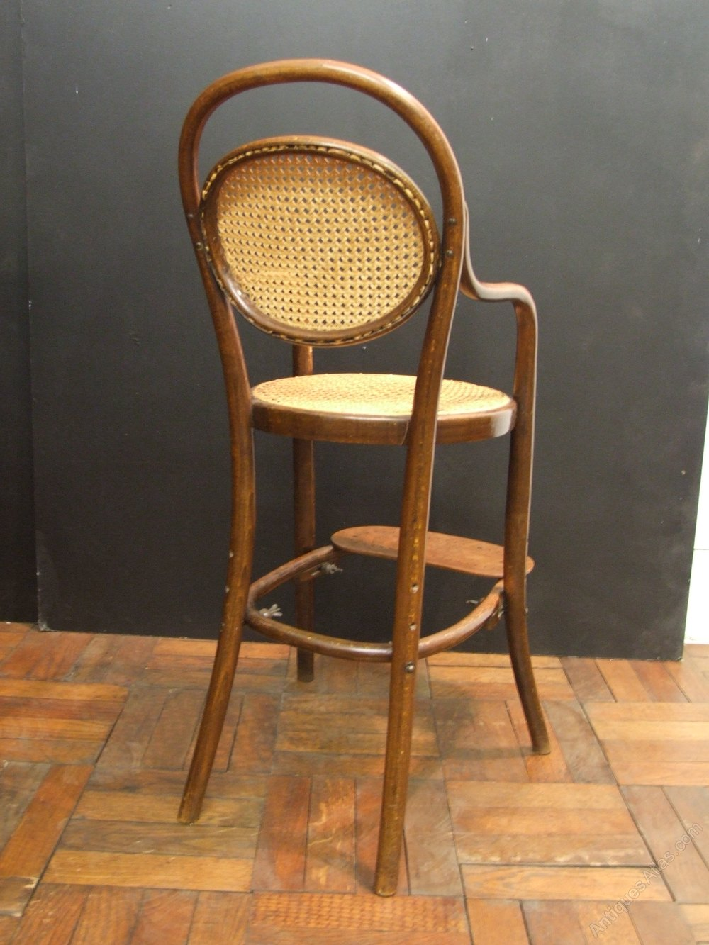 bentwood childs adjustable chair by thonet antiques atlas. Black Bedroom Furniture Sets. Home Design Ideas