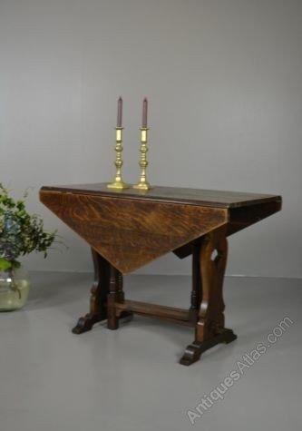 Antique oak drop leaf dining kitchen table antiques atlas for Oak kitchen table with leaf