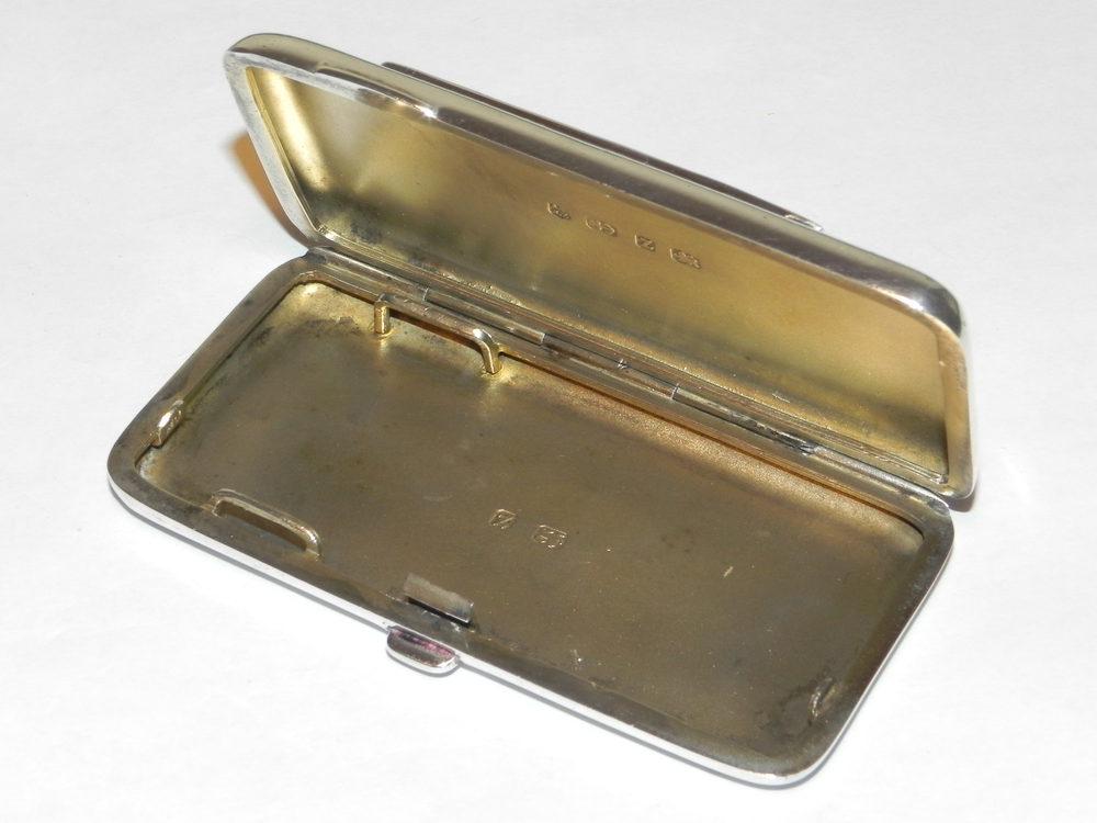 Antiques Atlas - Antique Risque HM Silver Enamel Cigarette