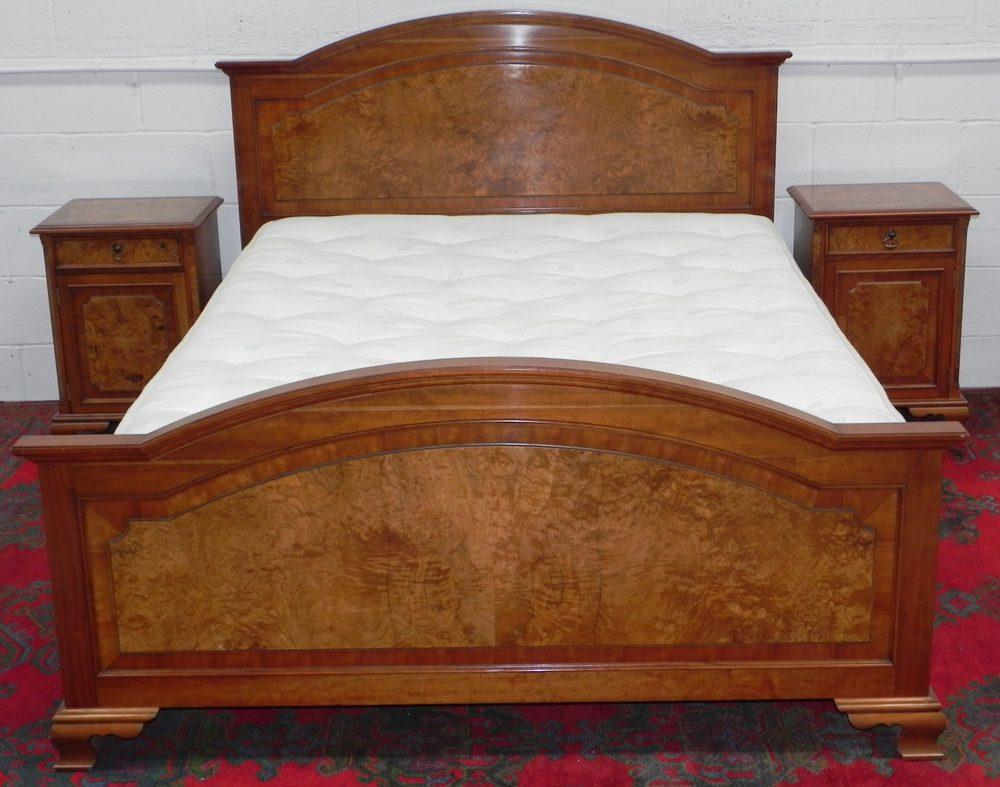 Burr walnut bed drawers bedroom suite antiques atlas for Vintage bedroom suite