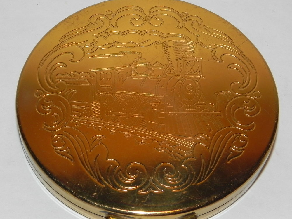 Share Vintage compacts for
