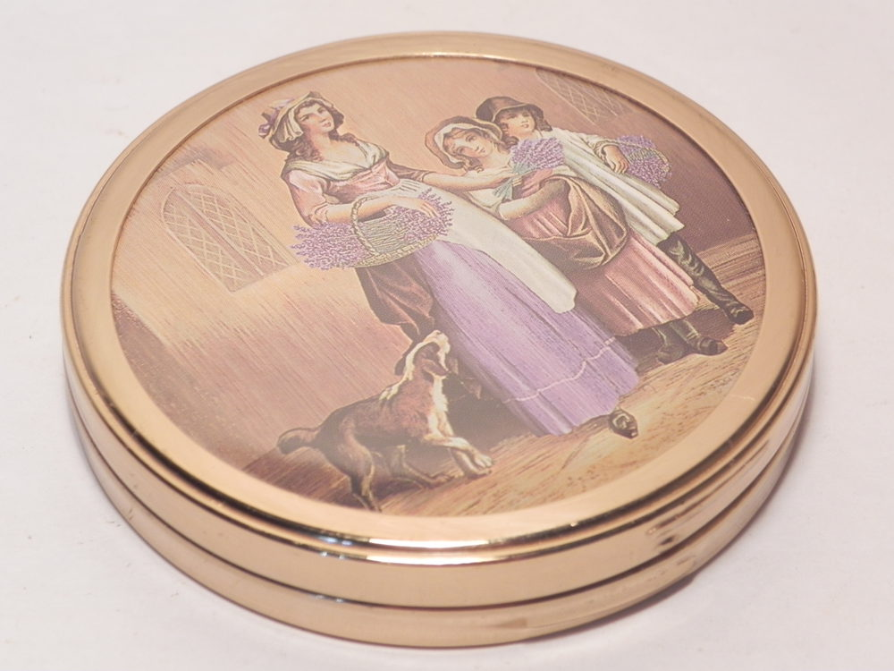 Antiques Atlas Vintage Yardley Lavender Seller Powder