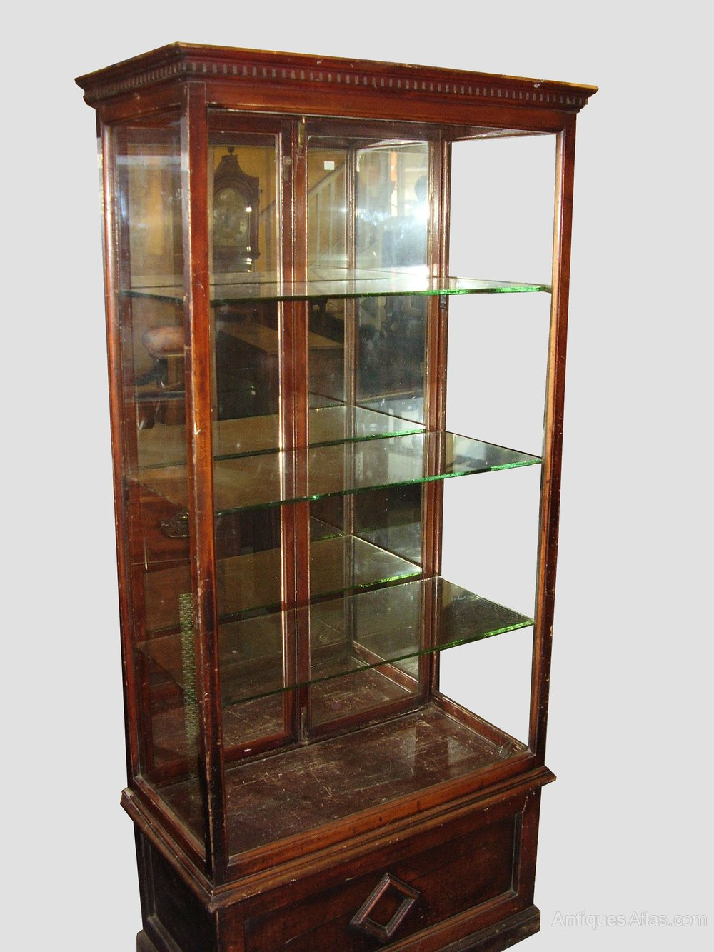 Glass shop display cabinet antiques atlas for Antique display cabinet