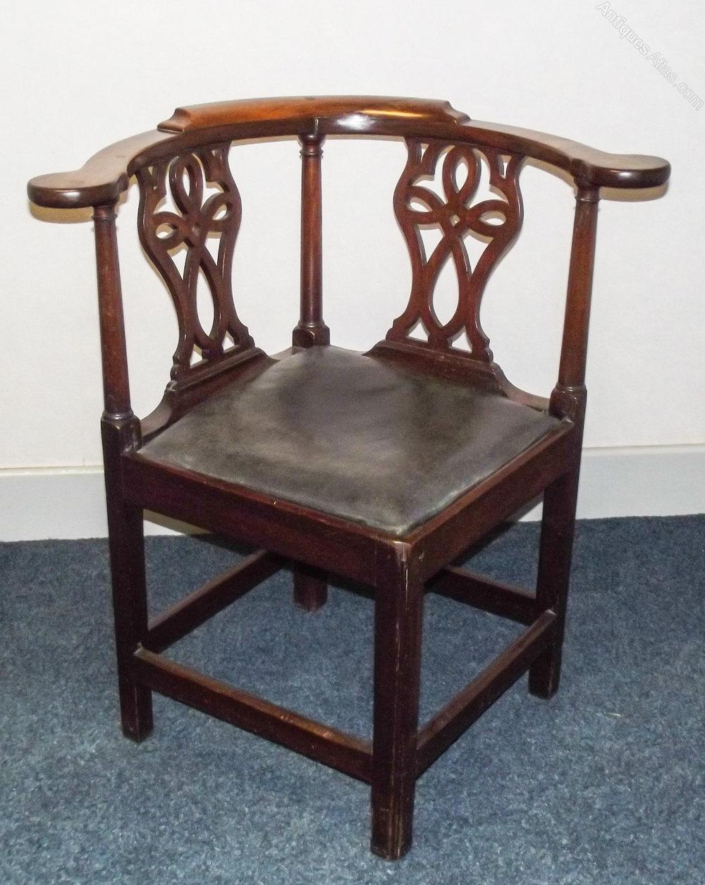 George III Walnut Corner Armchair - Antiques Atlas
