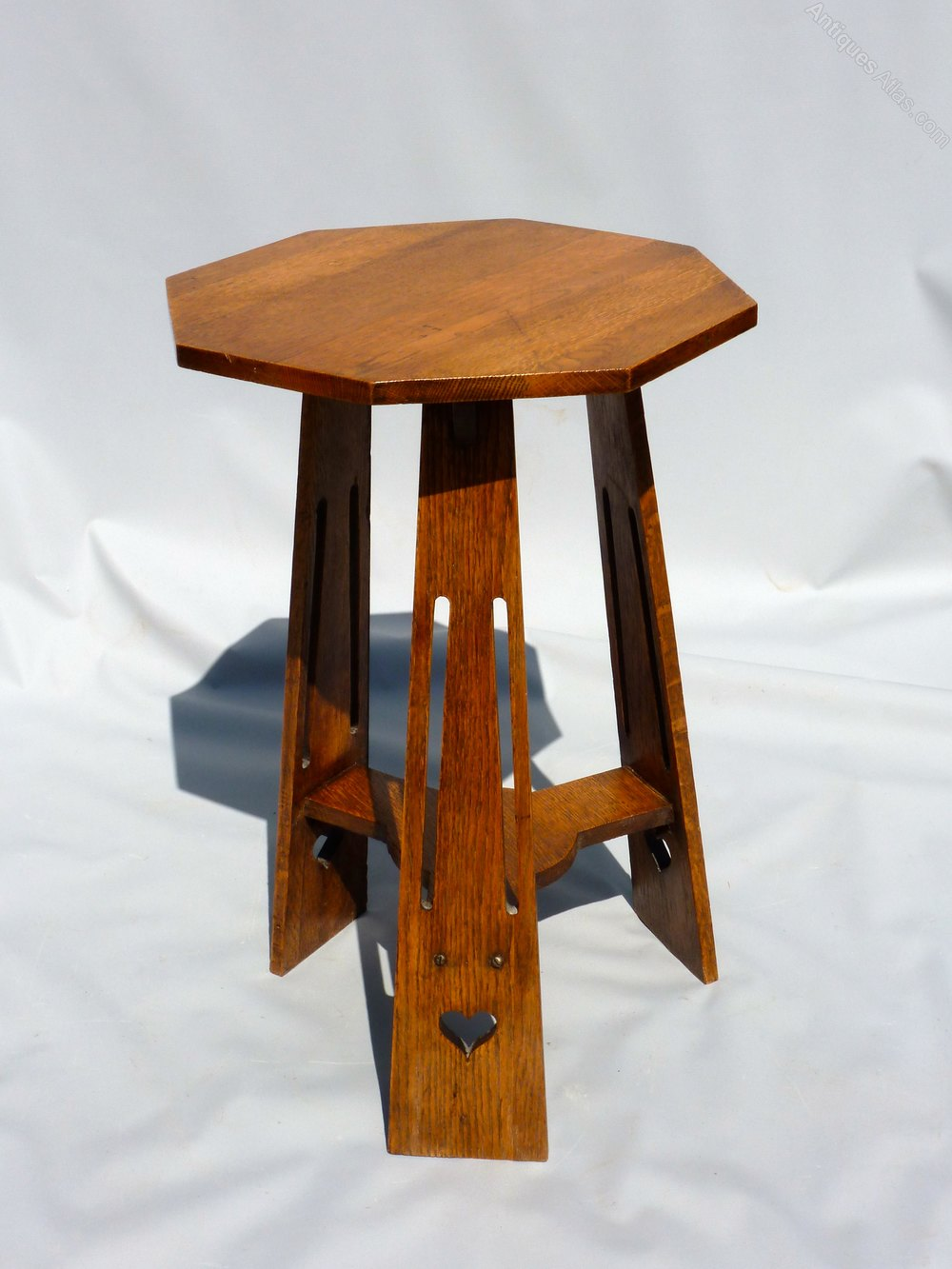 Arts crafts oak occasional table antiques atlas for Arts and craft tables