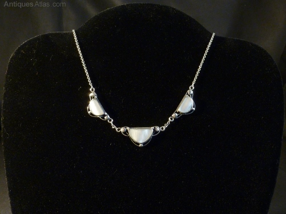 Antiques atlas arts crafts silver mother of pearl for Pearl arts and crafts closing