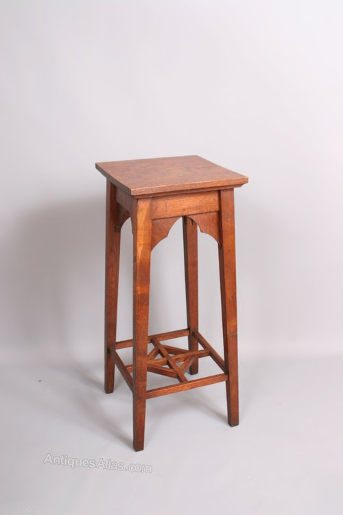 Arts and crafts oak jardiniere stand side table antiques for Arts and crafts side table