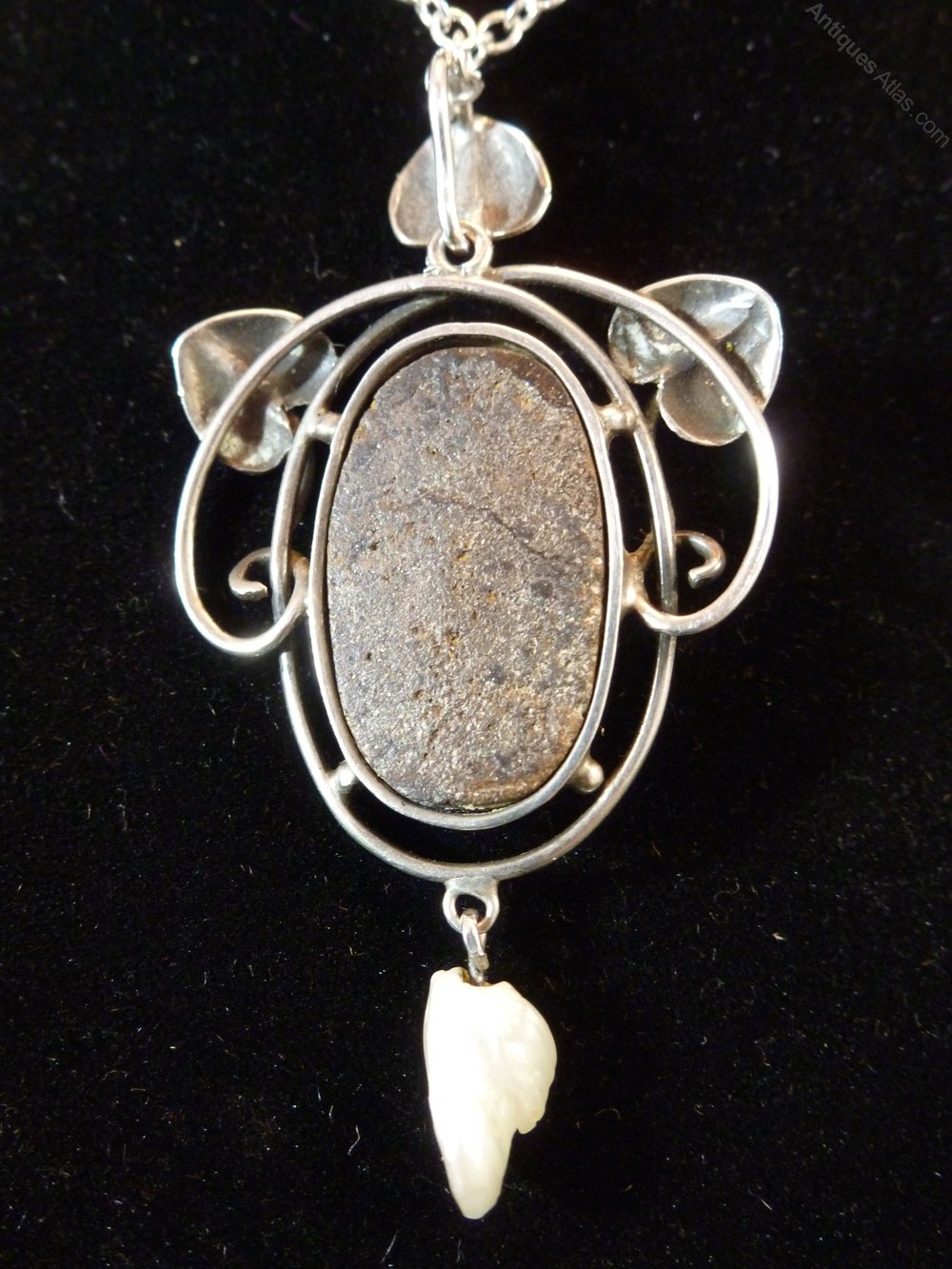 Antiques atlas arts and crafts silver pearl and boulder for Pearl arts and crafts closing