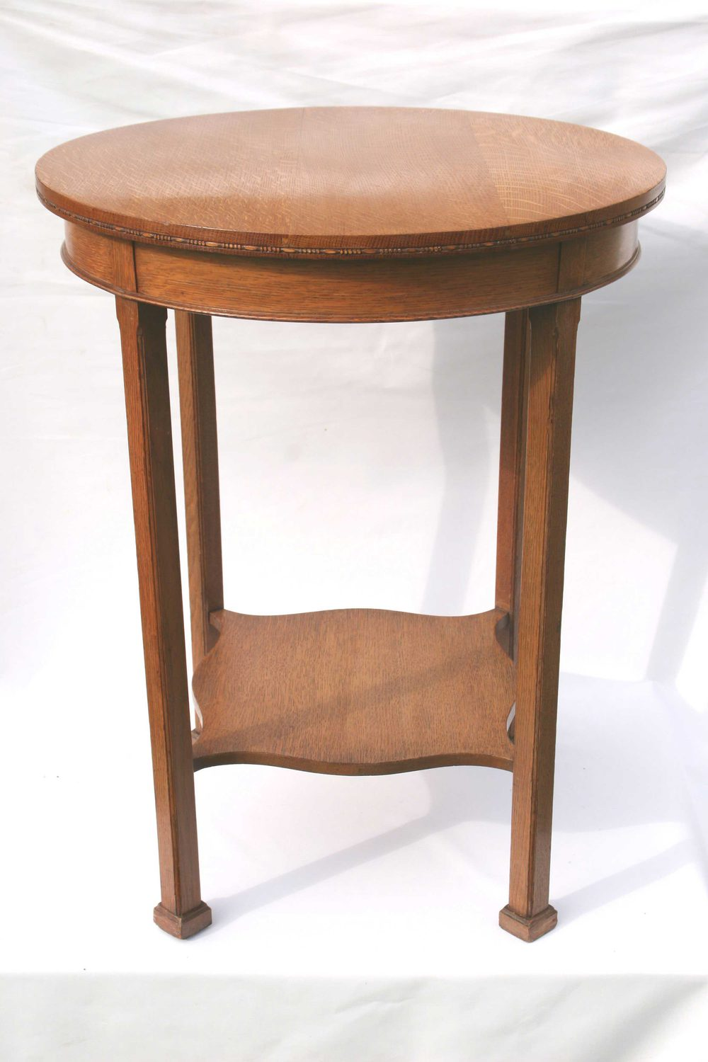 Waring and gillow arts and crafts oak side table for Arts and crafts side table