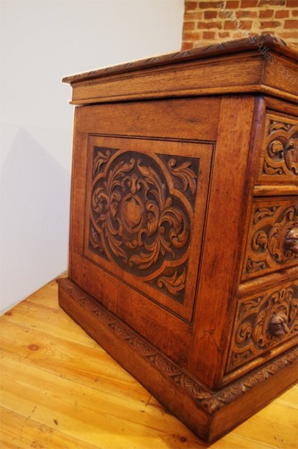 Oak Pedestal Desk With Lion Head Carved Handles Antiques