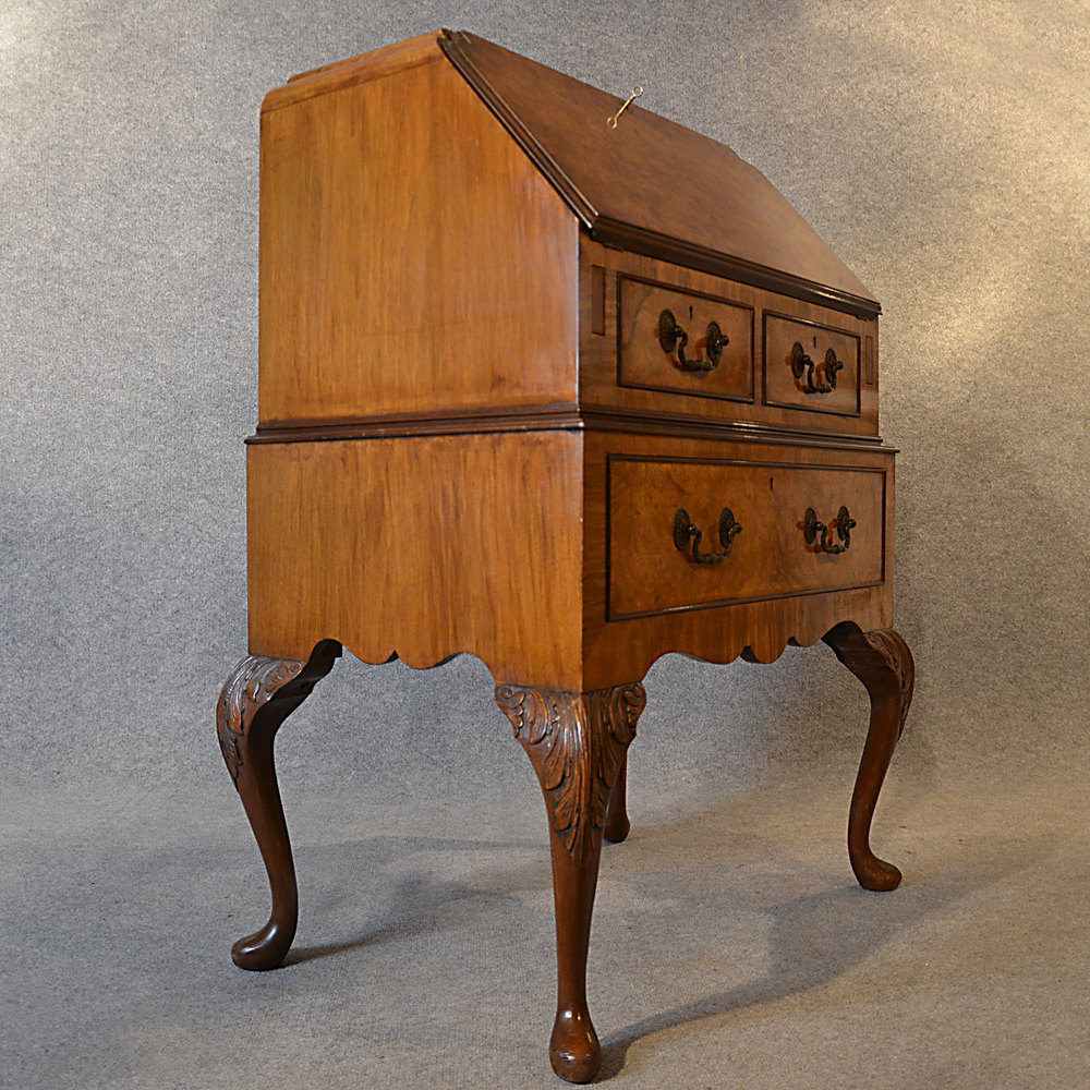 antiques atlas antique art deco walnut bureau writing desk. Black Bedroom Furniture Sets. Home Design Ideas