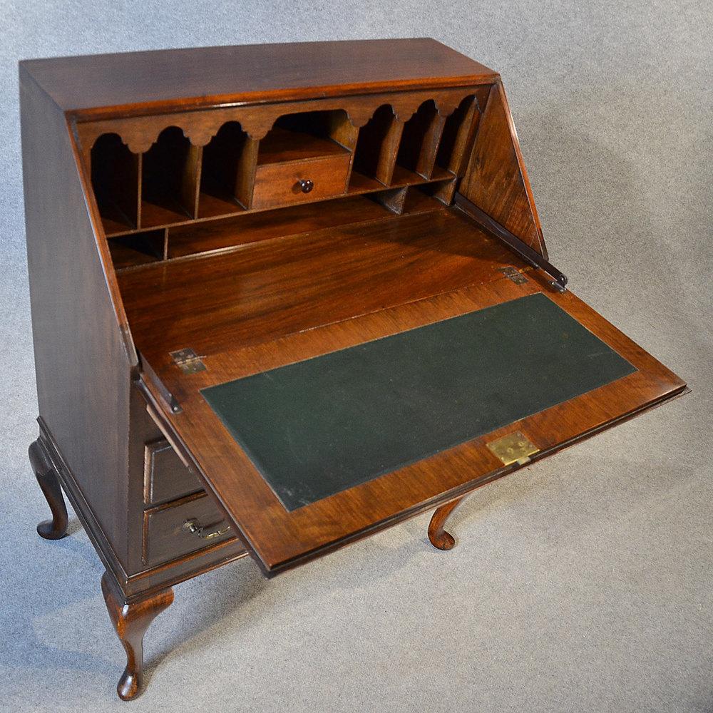 Antique bureau writing desk mahogany english antiques atlas for Bureau for sale