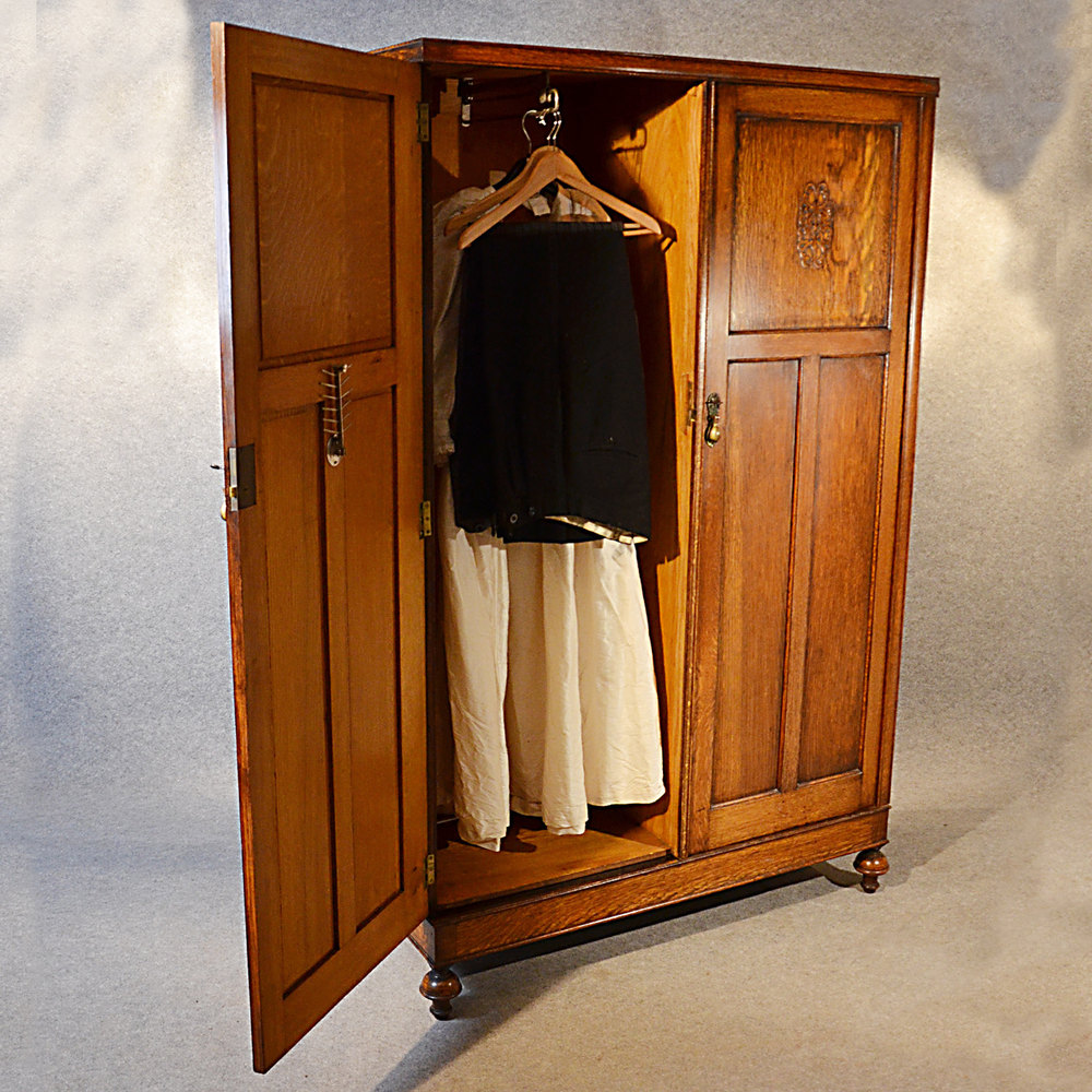 antique wardrobe oak edwardian english armoire antiques. Black Bedroom Furniture Sets. Home Design Ideas