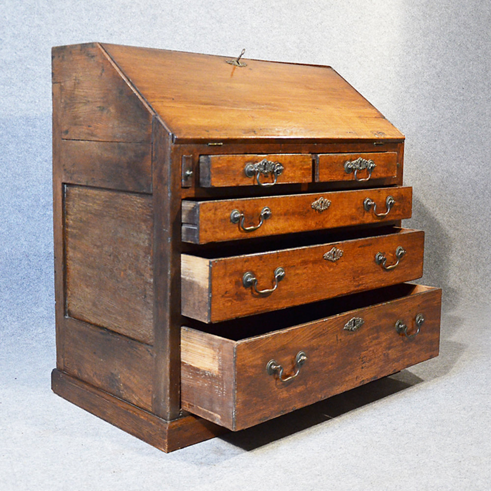 Bureau large 17th century english writing desk antiques for Bureau in english