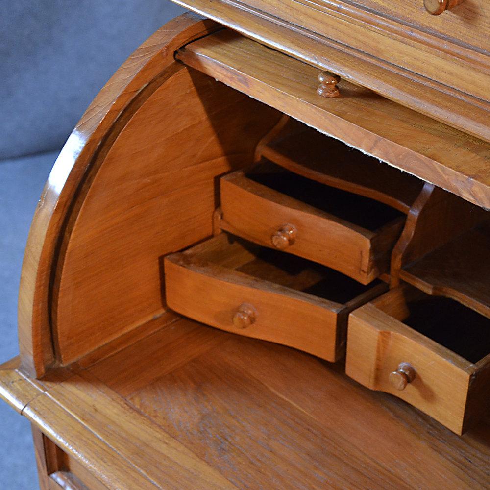 Antiques atlas rolltop bureau tambour desk roll top for Bureau table